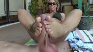 Goddess Brianna Beach Girl Friend Hot Mom Footjob
