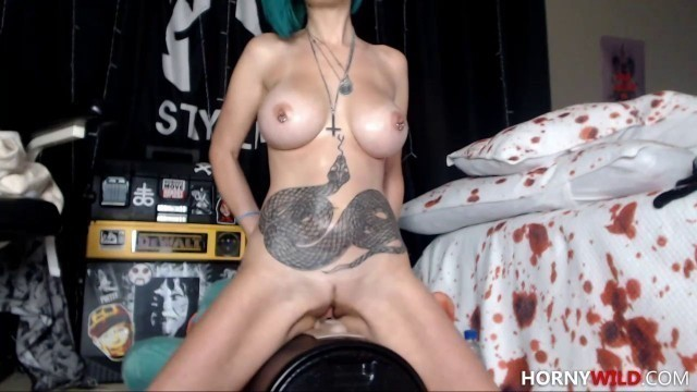 Lusty Big Tits Camslut Drills Her Pussy And Squirts