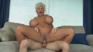 Blonde milf witth big tits fuck